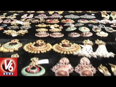 Huge Demand For Heavy Earrings | Latest Designs Attracts City Women | Hyderabad | V6 News