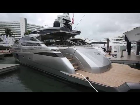 Luxury Motor yacht - The Pershing 82 VHP