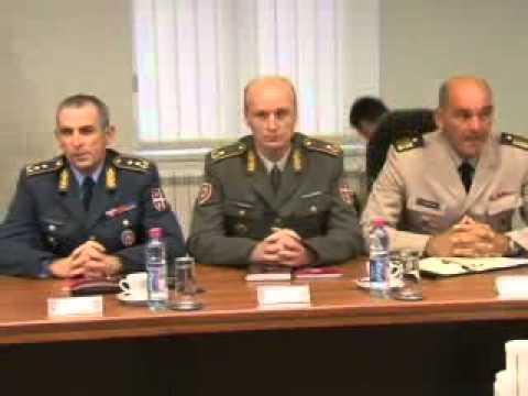 2012 07 31 Vucic Generalstab pok 02