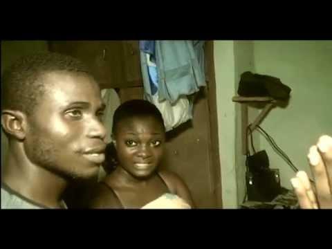 Abidjan, son mari la prend dans leur chambre avec un autre