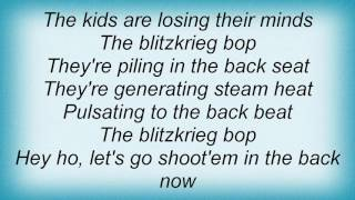 Watch 4lyn Blitzkrieg Bop video
