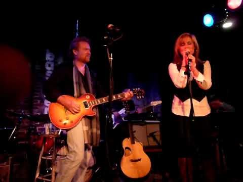 Emy Stewart&Lee Roy Parnell singing Breaking Down Slow - Part 1