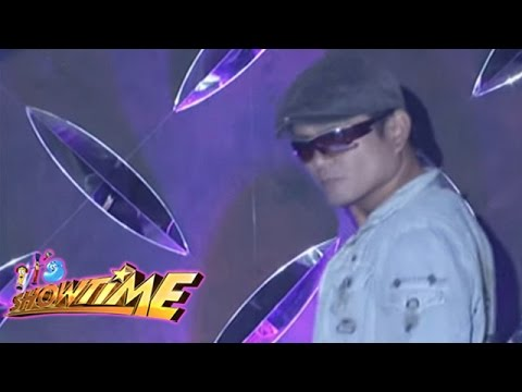 IT'S SHOWTIME Kalokalike : Robin Padilla