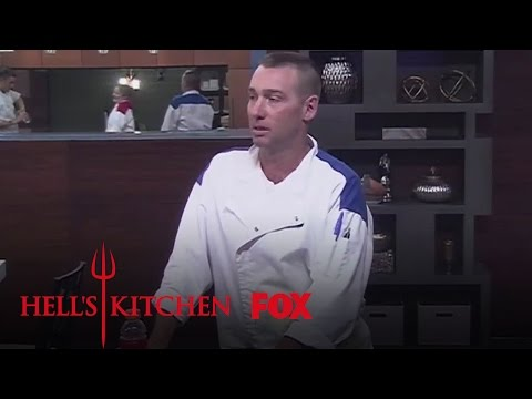 Extended Scene #1: Team Change Up   Season 14 Ep. 11   HELL'S KITCHEN