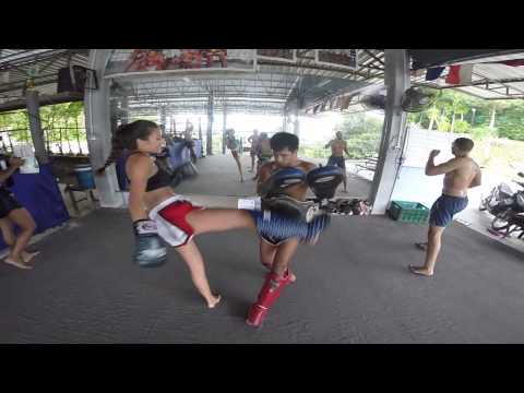 Sarah Tries Muay Thai For The First Time Ever @ Patong Boxing Gym