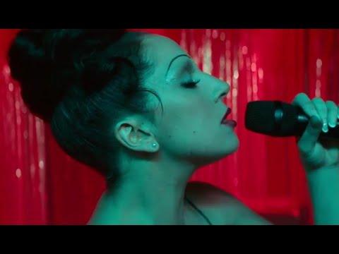 Lady Gaga - La Vie En Rose A Star Is Born