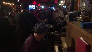 Ernie Vega & The Rocket 88's feat. Chris Miller on sax: I Hear You Knockin'