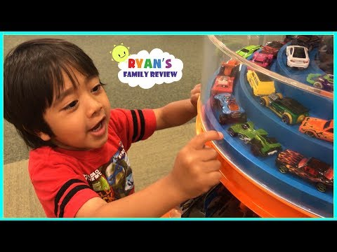Family Fun Shopping Trip Toy Hunt for Mommy's Birthday with Ryan's Family Review