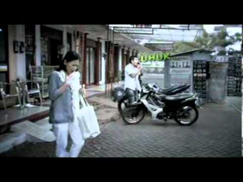 Iklan TVC KOMIX Ritme dan Batuk version with Ayu Ting Ting