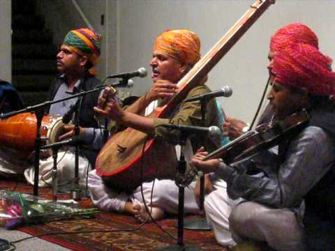 Prahlad Singh Tipaniya Kabir Bhajan At Stanford University ab To Jaag Musafir Jaag video