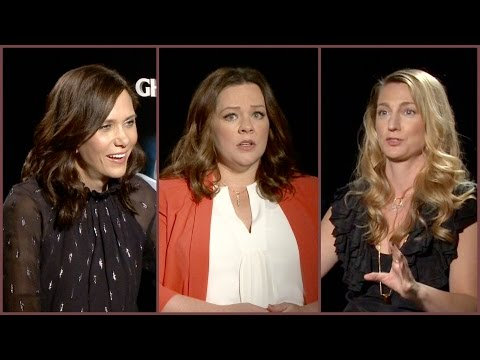 Melissa McCarthy & Kristen Wiig talk red carpet awkwardness and how their families made them funny