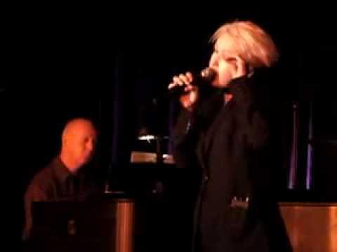 Cyndi Lauper - La Vie En Rose