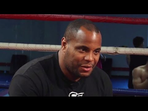 UFC 178 Daniel Cormier Light Heavyweight Title Fight
