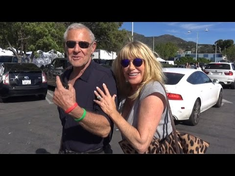 X17 EXCLUSIVE - Suzanne Somers Dishes On Love Life And Upcoming Vegas Show