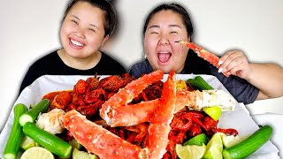 KING CRAB LEGS + GIANT SHRIMP + CRAWFISH SEAFOOD BOIL MUKBANG 먹방 EATING SHOW!