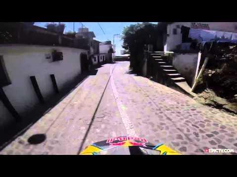 Caída de Marcelo Gutiérrez en el Downhill Taxco 20
