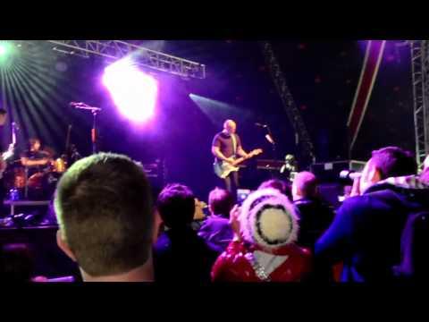 Bob Mould&band,