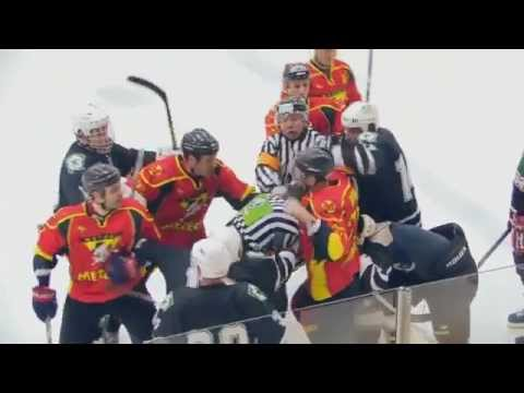 Ice Hockey- Russian Refferee fights Hockey Player! (Must Watch)