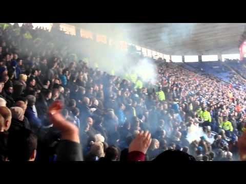 Leicester v Sheffield Wednesday, Leicester fans throw Smoke bombs, But the Wednesday keep on singing