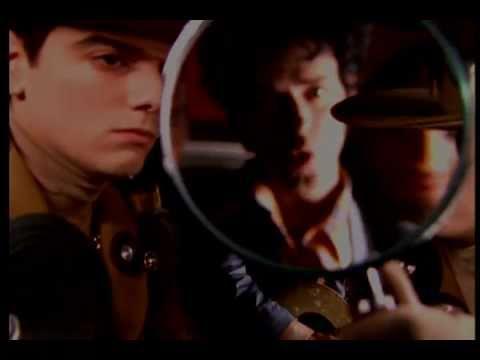 Soda Stereo - Ella Uso Mi Cabeza Como Un Rev