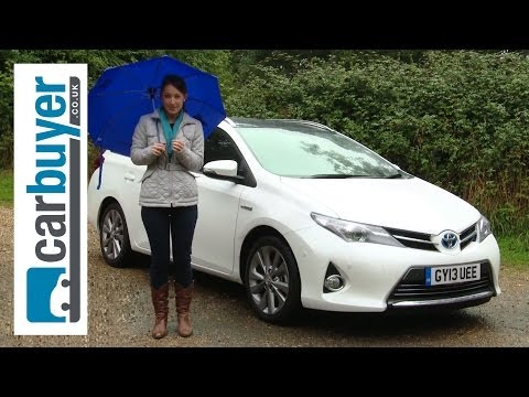 Toyota Auris Touring Sports estate 2013 review - CarBuyer