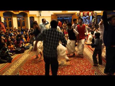 Iskcon Delhi Temple - Sandhya (evening Time) Arati. video