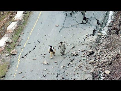 Afghanistan Earthquake 2015 | 7.5 Magnitude | Tremors Felt in Delhi & North India
