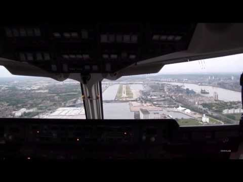 Impressive ARJ100 Cockpitview Landing at London City Airport