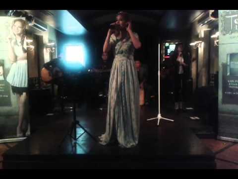 download lagu Terry - Mari Bernyanyi ( Live Accoustic ) gratis