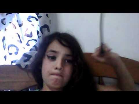 Una Hermosa Chica Tirando Facha Arre , Wewe Un Viideo Sobre Yoo Y La Sucia De Mi Sister video