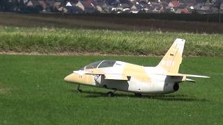 Alenia Aermacchi M-345 RC Giant Scale Jet Model HD