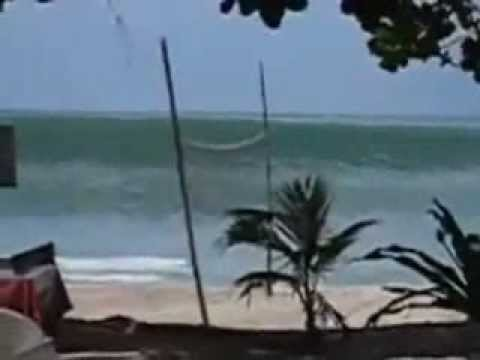 tsunami attack indonesia- 11-4-2012  ( REAL VIDEO)