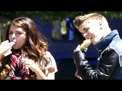 Justin Bieber and Selena Gomez Cute Moments (2) - Will Make You Cry