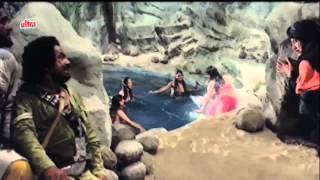 Bheega Badan Jalne Laga Zeenat aman hot big boobs navel  song 720p