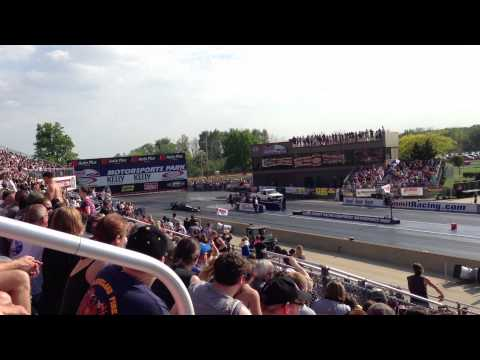 Drag Race - Dragster with Jet Engine -