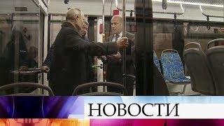 Владимир Путин встретился с работниками Тверского вагоностроительного завода.