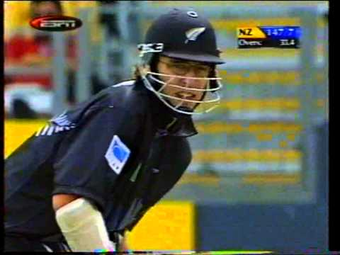 Shoaib Akhtar 5-19 Vs Nz At Auckland 2001 video
