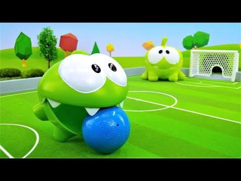 Игры Ам Няма - Ам Ням и Ням Ням играют в футбол.