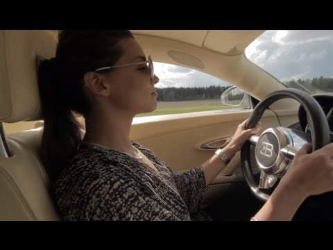 Sophie tries the Bugatti Veyron 16:4 at GTBOARD.com Event in Sweden 50-300 km/h
