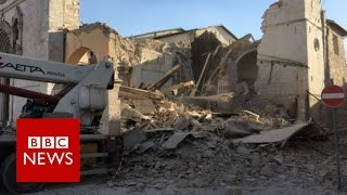 Italy quake: Powerful tremor near Norcia destroys buildings - BBC News