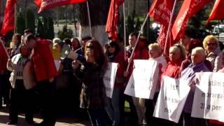 Protest socialist la Parlament, vor pensii mărite