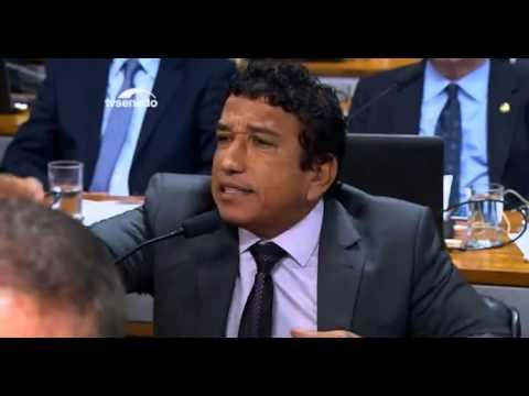 Senador Magno Malta causa a ira de petistas ao comparar Lula e Dilma a traficantes de drogas; veja