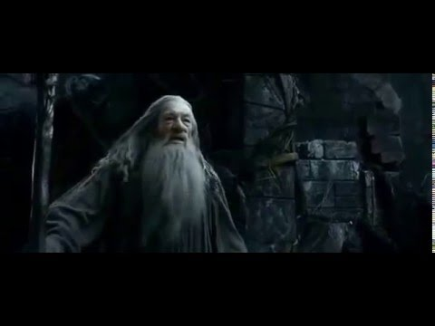 Gandalf vs Sauron (the hobbit desolation of smaug)