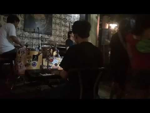 owl jams - kingstone town (cover) live Equal Park (Jalan Jaksa, Jakarta Pusat)