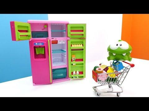 Видео для детей. Игрушка Ам Ням идет в магазин.