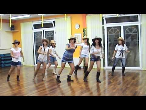 COUNTRY GIRL Shake it for me LUKE BRYAN LINE DANCE DANA