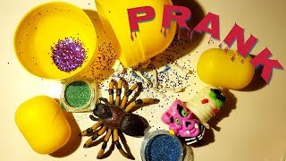Glitter prank for kids. Kinder Surprise Prank. Halloween Prank with glitter and spooky toys