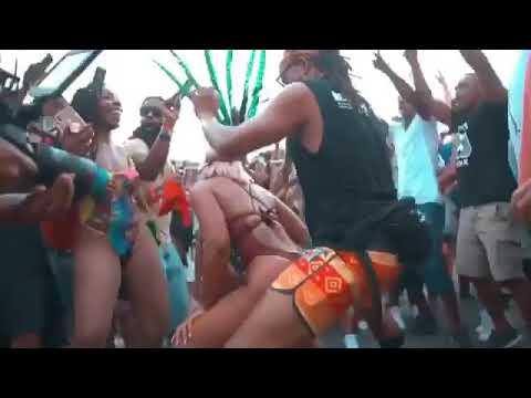 Ashanti Twerking thumbnail