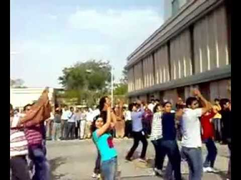 Dlf Buildings Hyderabad Flash Mob at Dlf Hyderabad.mp4