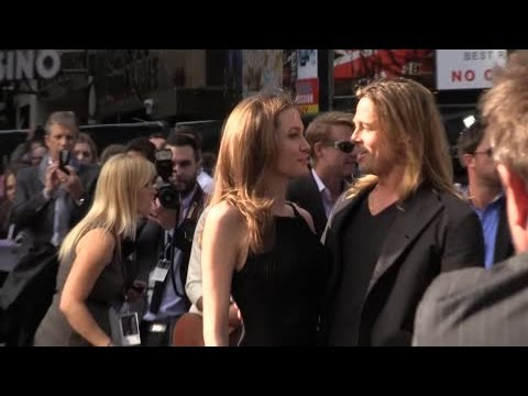 Brad Pitt and Angelina Posed as Married Couple in 2004 - Splash News